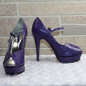 Apple Bottom Purple Reptile Print Platform Heels 7